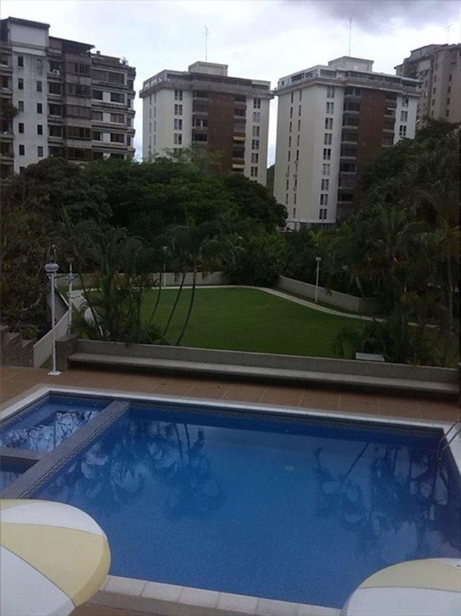Habitacion en alquiler en Caracas - TERRAZ, DEL AVILA- APARTAR DESDE AHORA DISPONIBLE EN   SEPTIEMBRE | CompartoApto - Image 2