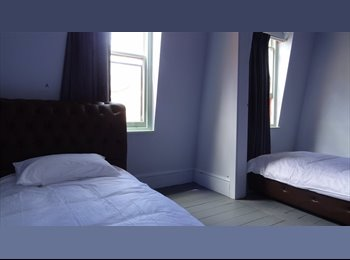 EasyRoommate AU - Rooms to rent Centre of the City Hobart, Hobart - $140 pw