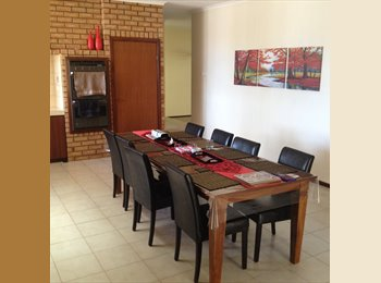 EasyRoommate AU - Location!-1.5km from Fwy and train stn, Stirling - $160 pw