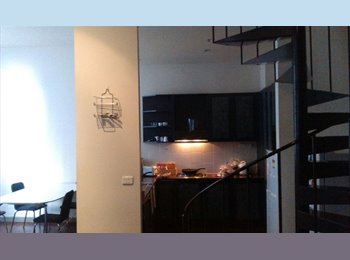 EasyRoommate AU - 1 Bed in a 3 Bedroom Flat available at La Trobe Street, Melbourne - $165 pw