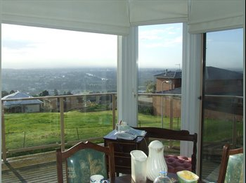 EasyRoommate AU - Lovely house on top of a ridge in Highton Geelong, Geelong - $190 pw