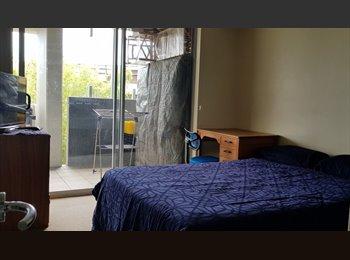 EasyRoommate AU - Luxury Apartment in Bowen Hills, Newstead - $240 pw