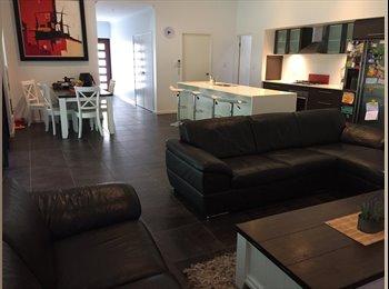 EasyRoommate AU - 4 bedroom house, Manoora - $135 pw