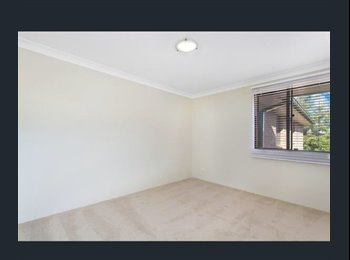 EasyRoommate AU - Excellent Room to rent in Girraween!, Toongabbie - $250 pw