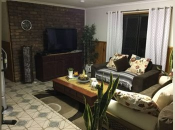 EasyRoommate AU - Room for Rent quiet st, Robertson - $150 pw