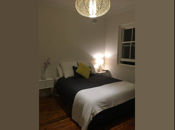 EasyRoommate AU - Large Room in Randwick for rent , Kingsford - $400 pw