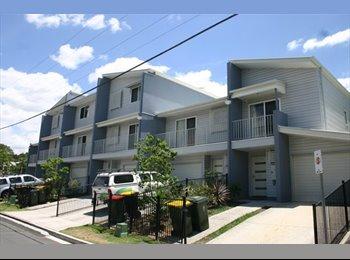 EasyRoommate AU - Modern Share House, Newstead - $200 pw