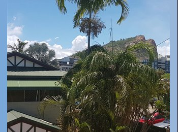 EasyRoommate AU - Townhouse close to the city with a pool😊, Townsville - $160 pw
