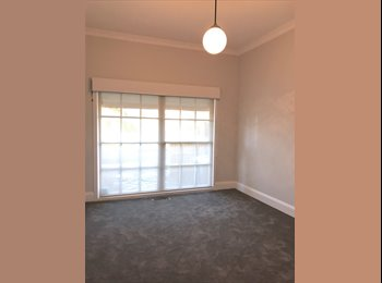 EasyRoommate AU - Room for rent, Hampton - $200 pw