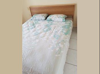 EasyRoommate AU - 4 bedrooms, 2 bathrooms house in quiet court location, Manoora - $160 pw