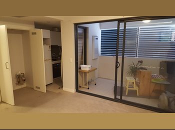 EasyRoommate AU - Cosy Studio In City Area Convenient And Affordable, Kingsford - $480 pw