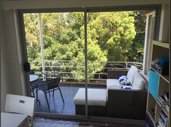 EasyRoommate AU - Bright and Airy 2 Bedroom unit. Walking distance to manly, Balgo - $330 pw