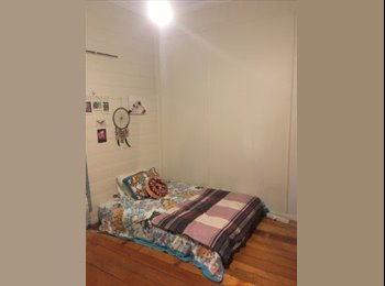EasyRoommate AU - Chill house looking for a chill person, Newstead - $165 pw
