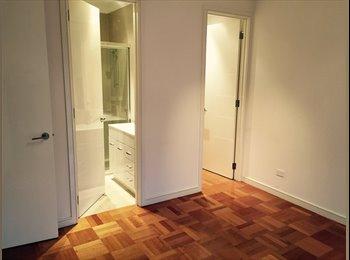 EasyRoommate AU - Large Room with Ensuit + WIR, Hampton - $230 pw