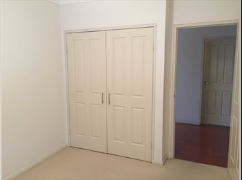 EasyRoommate AU - Great Location! Great Apartment! What are you waiting for? :), Willoughby - $350 pw