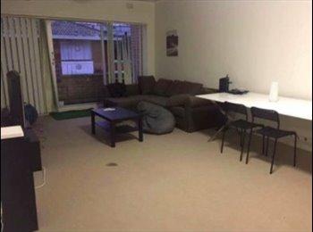 EasyRoommate AU - Shared room for girls, Kingsford - $190 pw