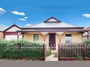 EasyRoommate AU - Female roommate wanted , Laverton - $200 pw