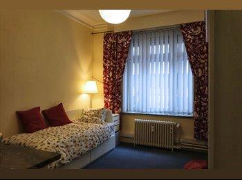 Appartager BE - Chambre d'appartement pour étudiant/stagiaire dans le quartier européen, Etterbeek - 500 € pm