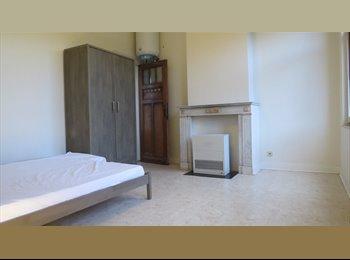 Appartager BE - Chambre de 16 m² (+ salle de bain privative) à louer !, Jette - 450 € pm