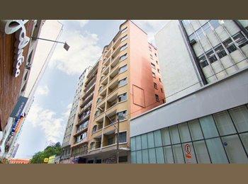EasyQuarto BR - Flat no centro de Curitiba!, Curitiba - R$ 620 Por mês