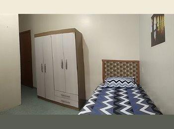 EasyQuarto BR - BOM FIM - Excelente quarto mobiliado com opção de AR Cond., Porto Alegre - R$ 750 Por mês