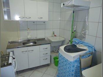 EasyQuarto BR - Apto 1 dormitorio  MOBILIADO, Moinhos de Vento, Porto Alegre - R$ 999 Por mês