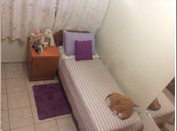 EasyQuarto BR - Aluga-se quarto em ótima localização em São José dos Campos, São José dos Campos - R$ 465 Por mês