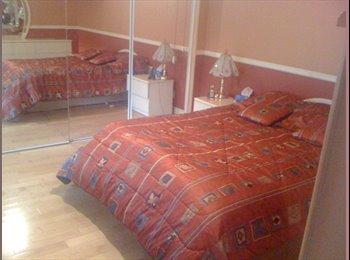 EasyRoommate CA - Tres Grande Appartement sur 2 étages a Partager, Québec City - $600 pcm
