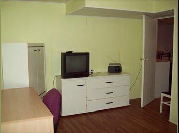 EasyRoommate CA - TOUT INCLUS à Ste-Foy accès université Laval etc, Québec City - $380 pcm
