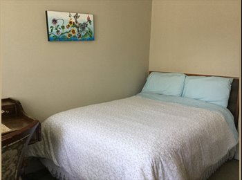 EasyRoommate CA - Furnished room for a female, Burnaby - $800 pcm