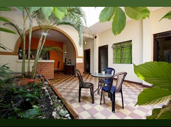 CompartoApto CO - Furnished rooms for rent in a big house, Cali - COP$450.000 por mes