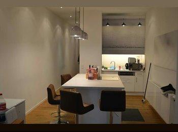 EasyWG DE - Perfect Location - Chic & Quiet Room - Super Lage - Chic möbliertes Zimmer zu vermieten, München - 590 € pm