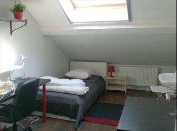 EasyKot EK - Wij bieden je een studentenkamer aan in Jette, Brussel-Bruxelles - € 410 p.m.