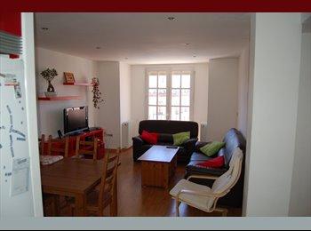 EasyPiso ES - ALQUILER DE HABITACIONES EN HUESCA, Huesca - 200 € por mes
