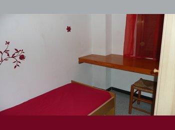 EasyPiso ES - Alquilo habitación en piso compartido por chicas., Sant Andreu - 330 € por mes