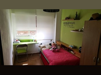 EasyPiso ES - Habitacion en piso compartido en centro de Santander - A Calm Place to Live, Santander - 250 € por mes