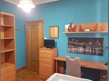 EasyPiso ES - Alquilo habitación a chica/o, Pamplona - 350 € por mes