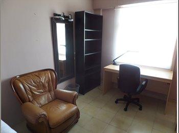 EasyPiso ES - Habitación individual grande, Vitoria-gasteiz - 250 € por mes