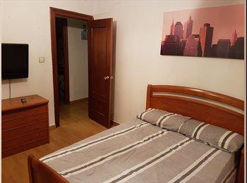 EasyPiso ES - Habitacion muy grande en pleno centro de Santander, Santander - 300 € por mes