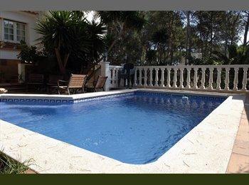 EasyPiso ES - Chalet compartido cerca del mar con piscina, Tarragona - 350 € por mes