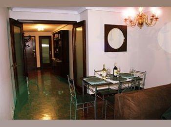 EasyPiso ES - Habitación en el Centro (Uría). INTERNET, Oviedo - 250 € por mes