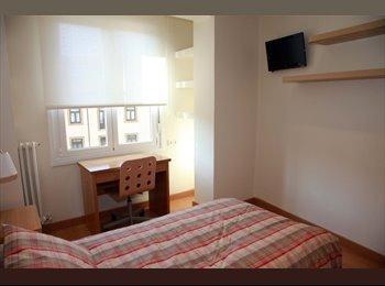 EasyPiso ES - Habitación junto a la catedral, Oviedo - 250 € por mes