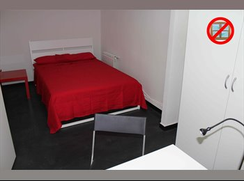 EasyPiso ES - CITY CENTER LATINA ROOM 5, Centro Ciudad - 300 € por mes