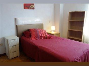 EasyPiso ES - 114 Estupenda habitación en Portazgo, Puente De Vallecas - 330 € por mes