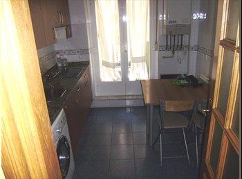 EasyPiso ES - Se alquila habitación en piso compartido para chica estudiante., Salamanca - 190 € por mes