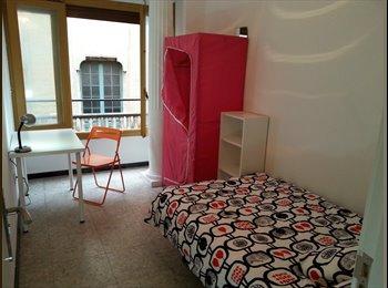 EasyPiso ES - Habitación exterior, cerca de Placa Catalunya, Barcelona - 475 € por mes