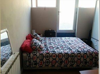 EasyPiso ES - 18 m2 + terraza 20 m2. TV 32, Bilbao - 450 € por mes