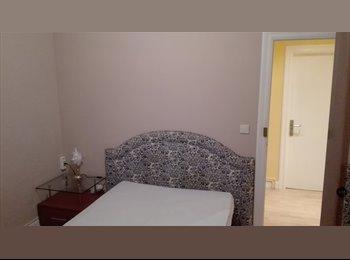 EasyPiso ES - 10 m2 con terraza 20 m2 y TV 32, Bilbao - 450 € por mes