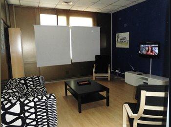 EasyPiso ES - ALQUILO 2 HABITACIONES EN PISO  CERCA PLAYA Y DIAGONAL, Sant Martí - 450 € por mes
