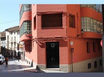 EasyPiso ES - ALQUILER DE HABITACIONES, Huesca - 200 € por mes